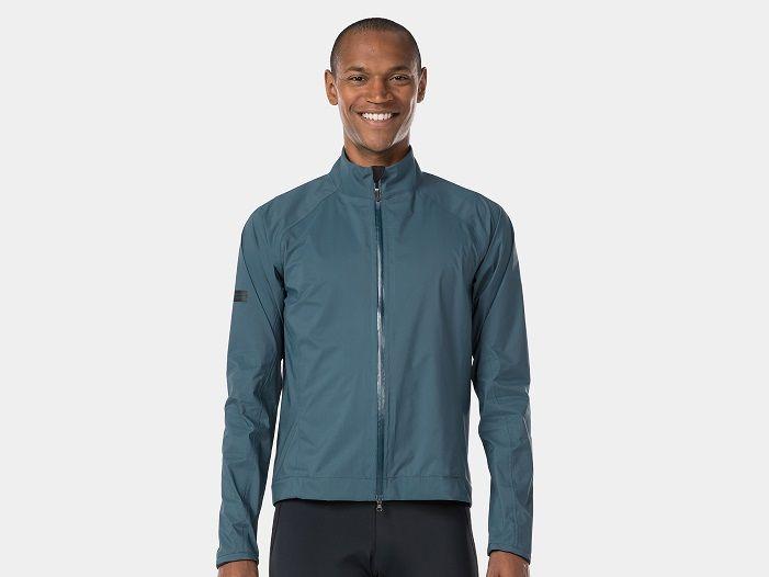Vais pedalar à chuva? O casaco Velocis Stormshell é para ti