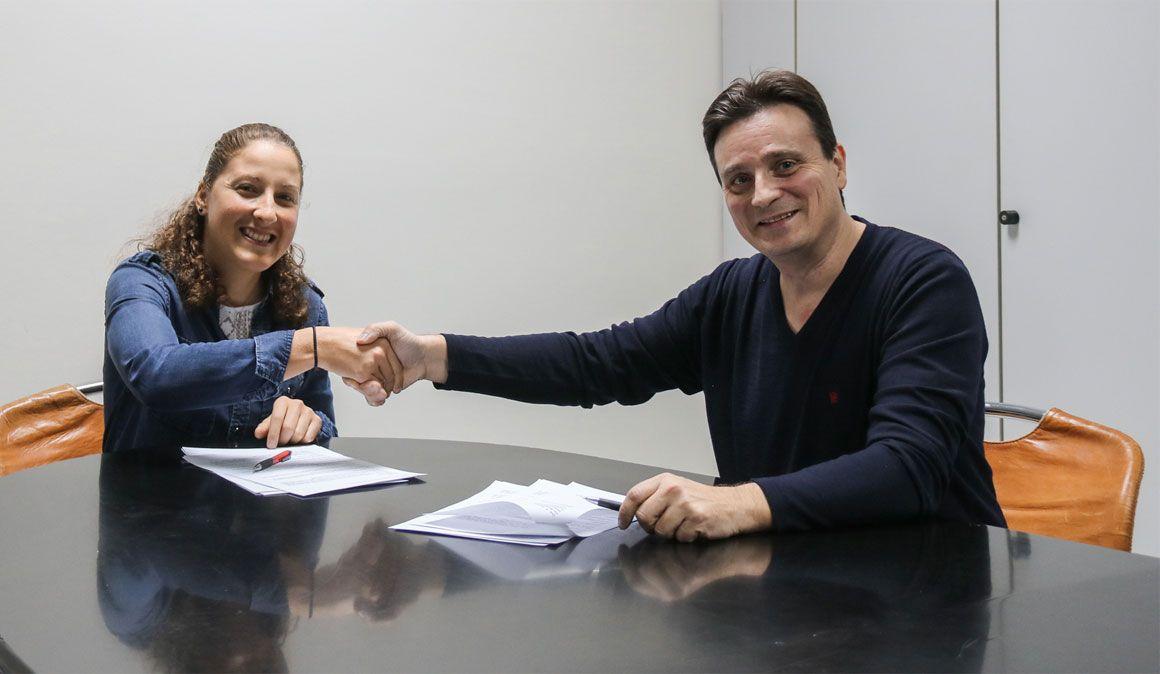 Julie Bresset assinou contrato com a Massi