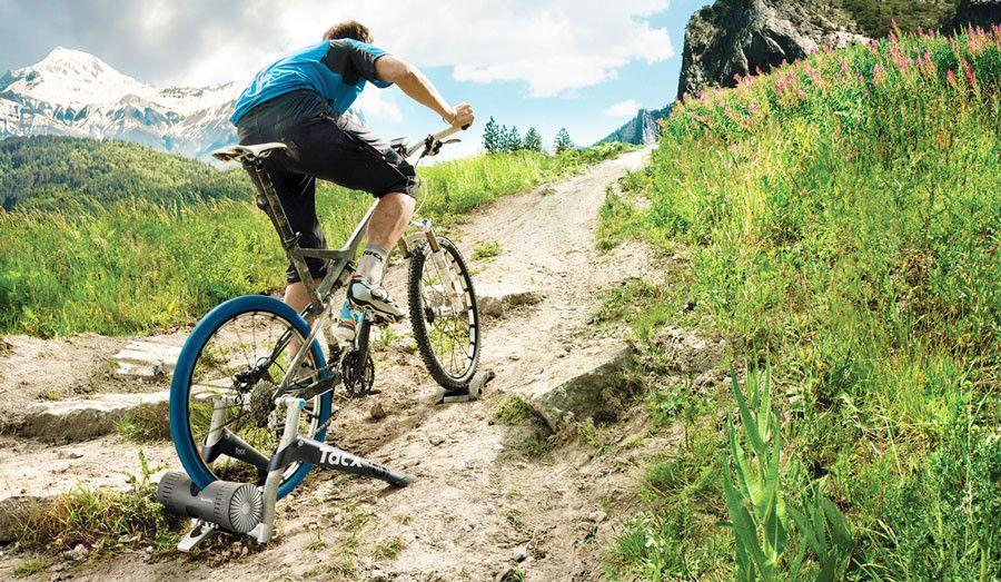 Fazer rolo em casa VS sair com a bicicleta. Em qual das opções treinamos mais?