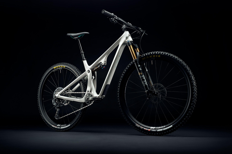 Yeti lança a sua bike de XC mais divertida, a SB115
