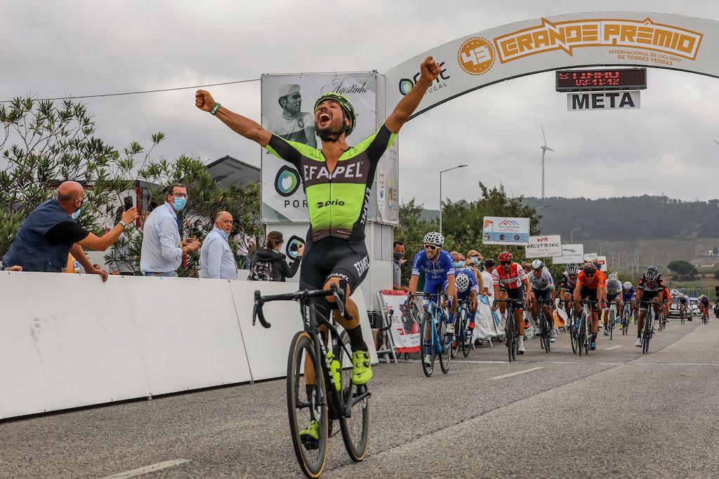Luís Mendonça ganha etapa inaugural do Troféu Joaquim Agostinho