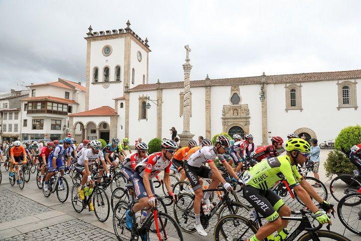 Volta a Portugal com pelotão de 15 equipas