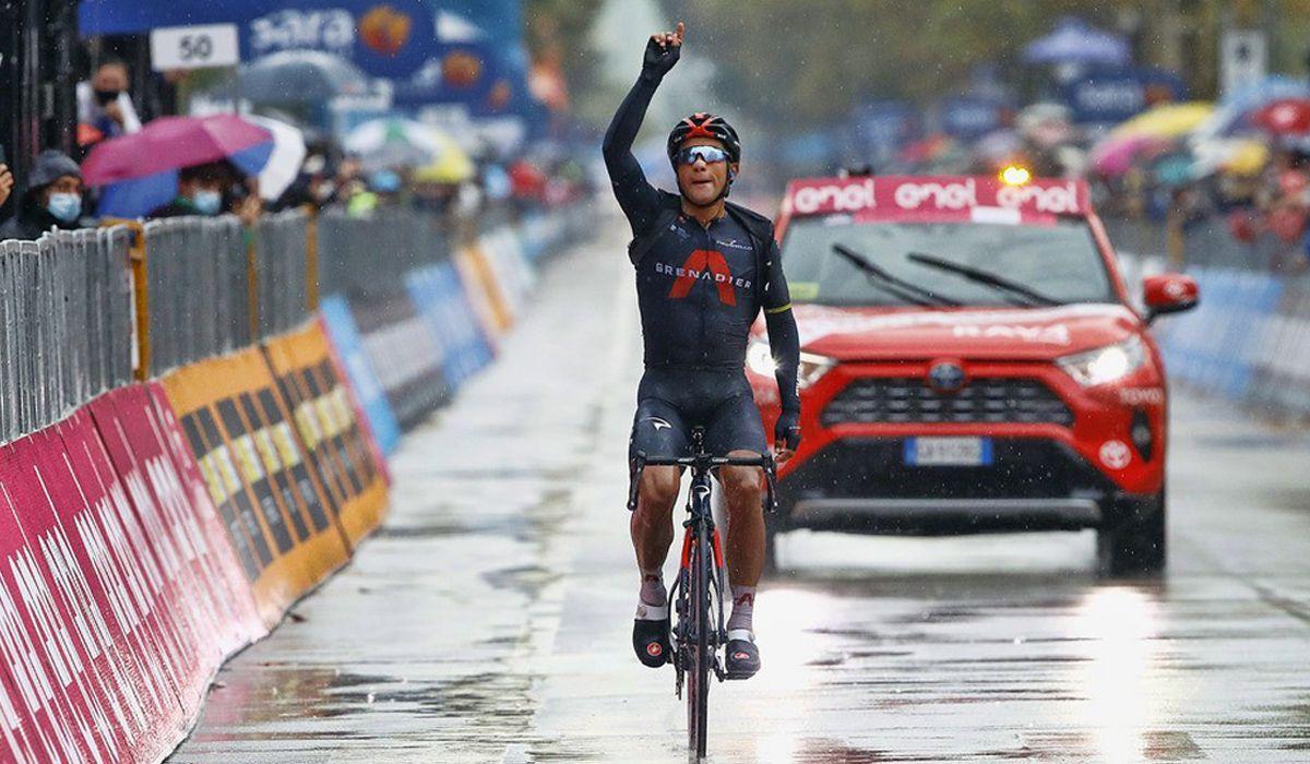 Volta a Itália: Jhonatan Narváez ganha em Cesenatico numa etapa endurecida pelo frio e chuva