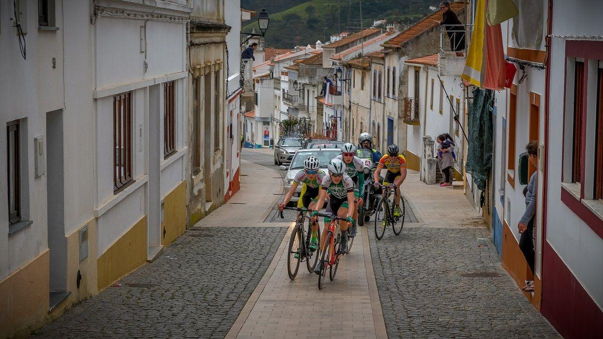 Juniores e paraciclistas disputam Troféu José Poeira