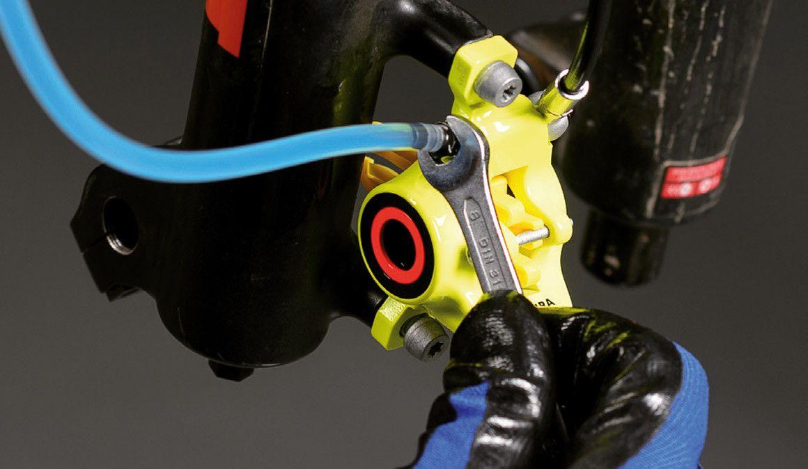 Sabes que tipo de óleo deves usar nos travões de disco?