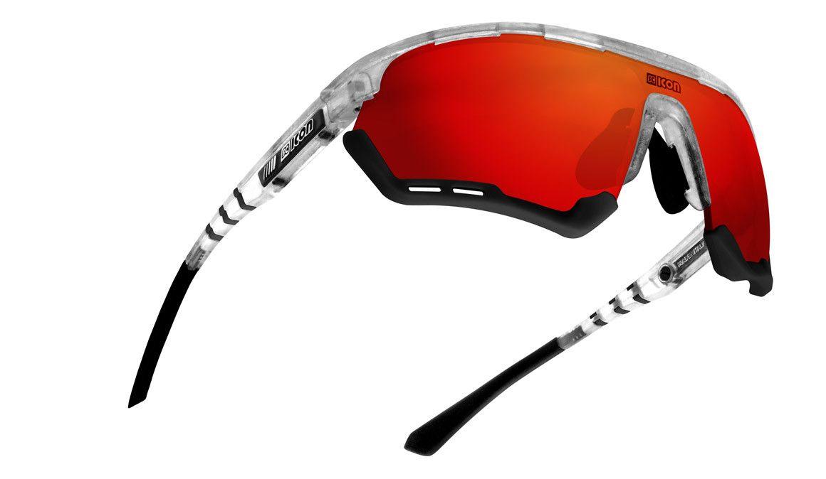 Já chegaram os primeiros óculos da Scicon