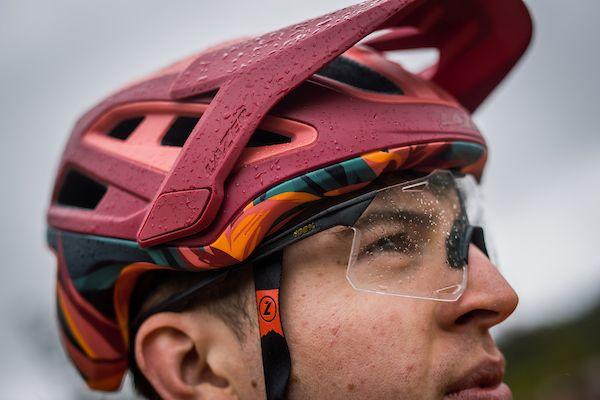 Lazer apresenta um novo capacete: o Jackal